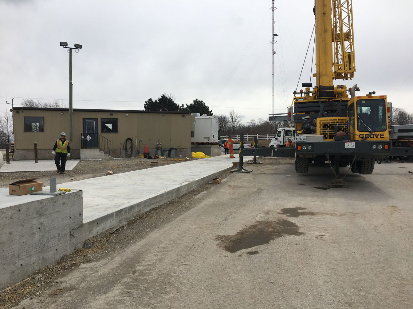 Weigh scale installation in Woodstock Ontario. Project photo.